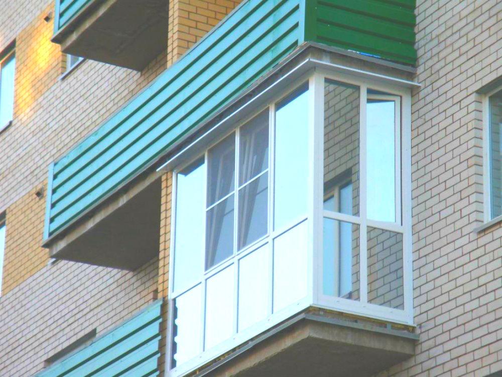 Остекление г образного балкона.